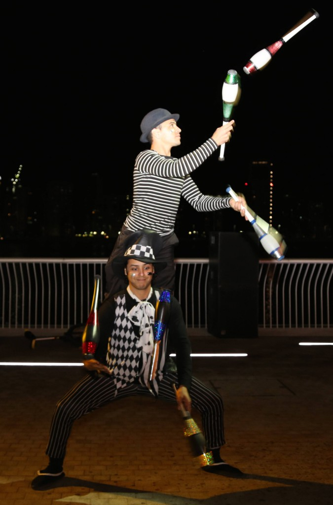 clowns jugglers
