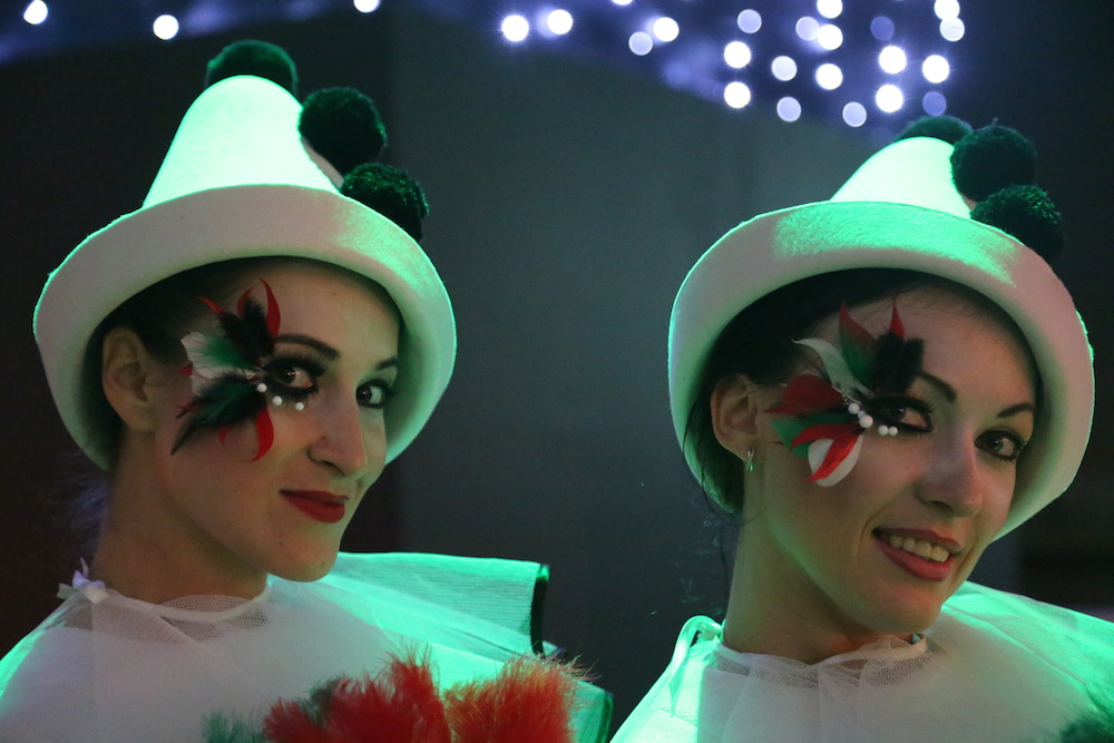 female clowns close up make up UAE Kopie