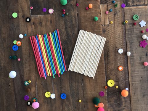 ROUND WOODEN CRAFT STICKS